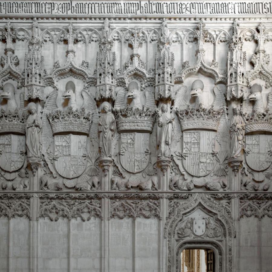 Escudos del crucero de la Iglesia